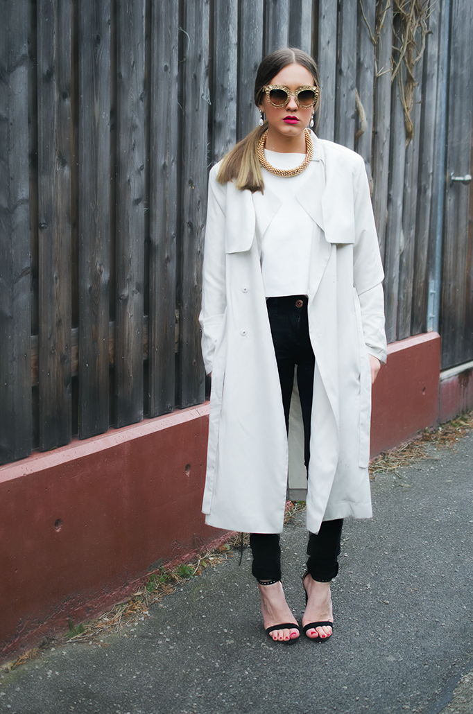 beige trench coat outfit inspiraion