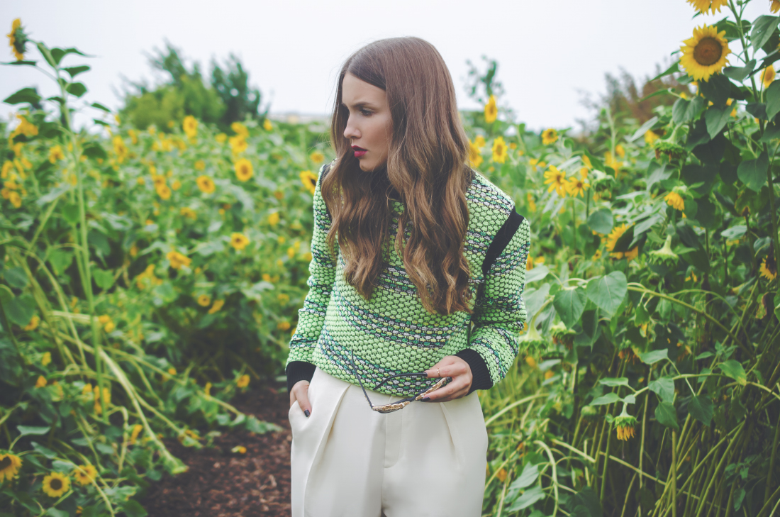 green sweater - fleur de mode