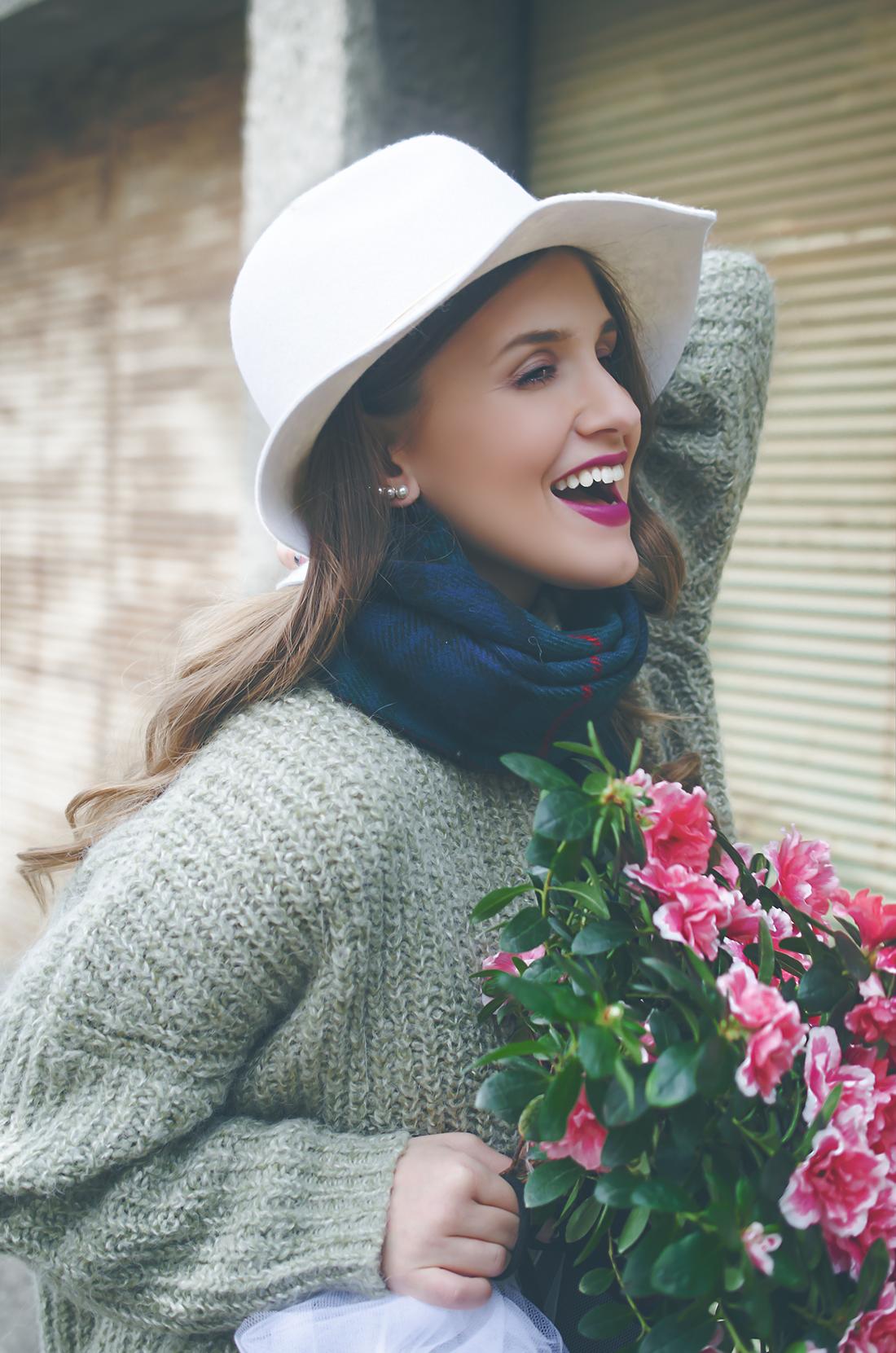happy girl - fleur de mode - hristina micevska