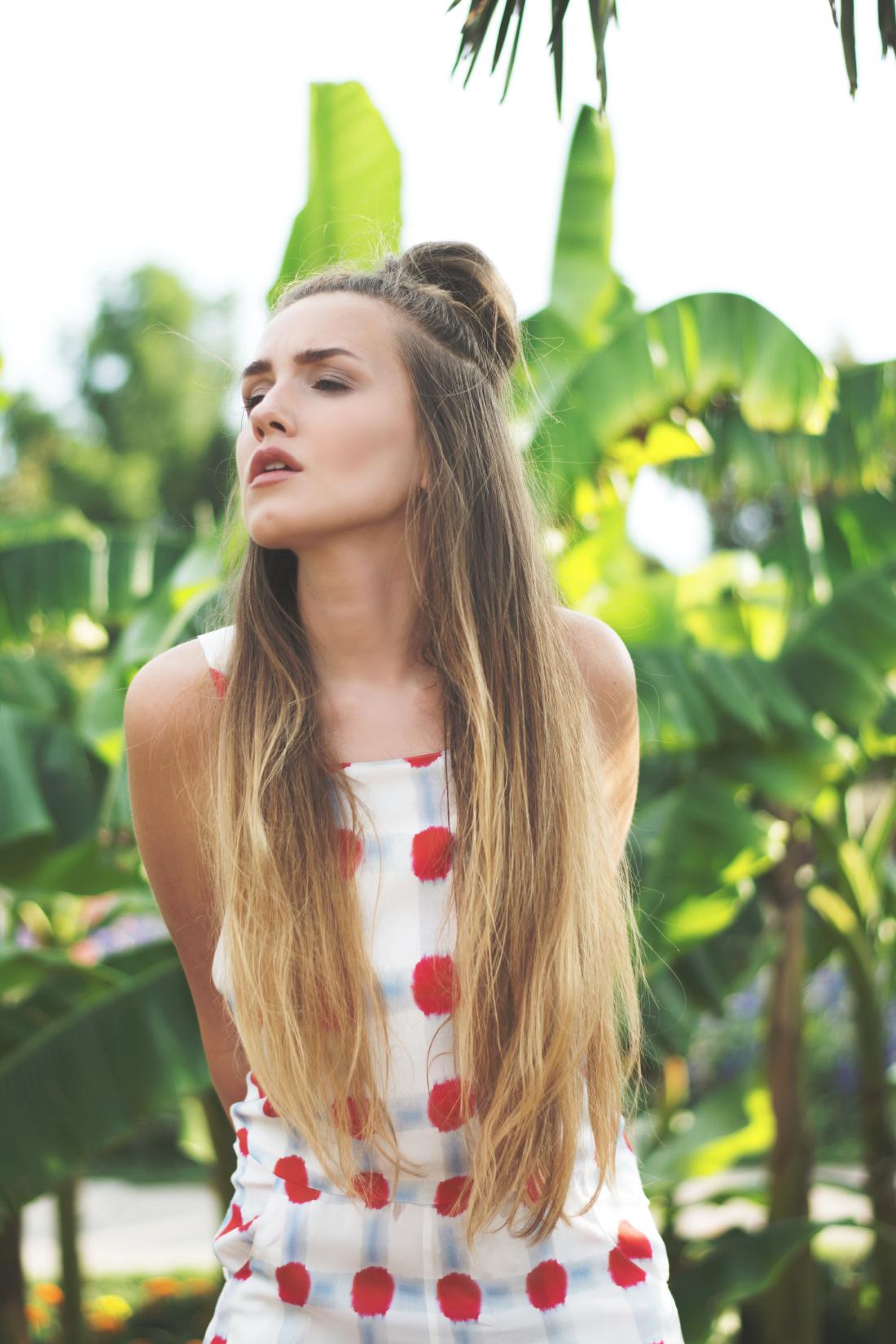 half bun - hair style - inspiration - www.fleurdemode.com