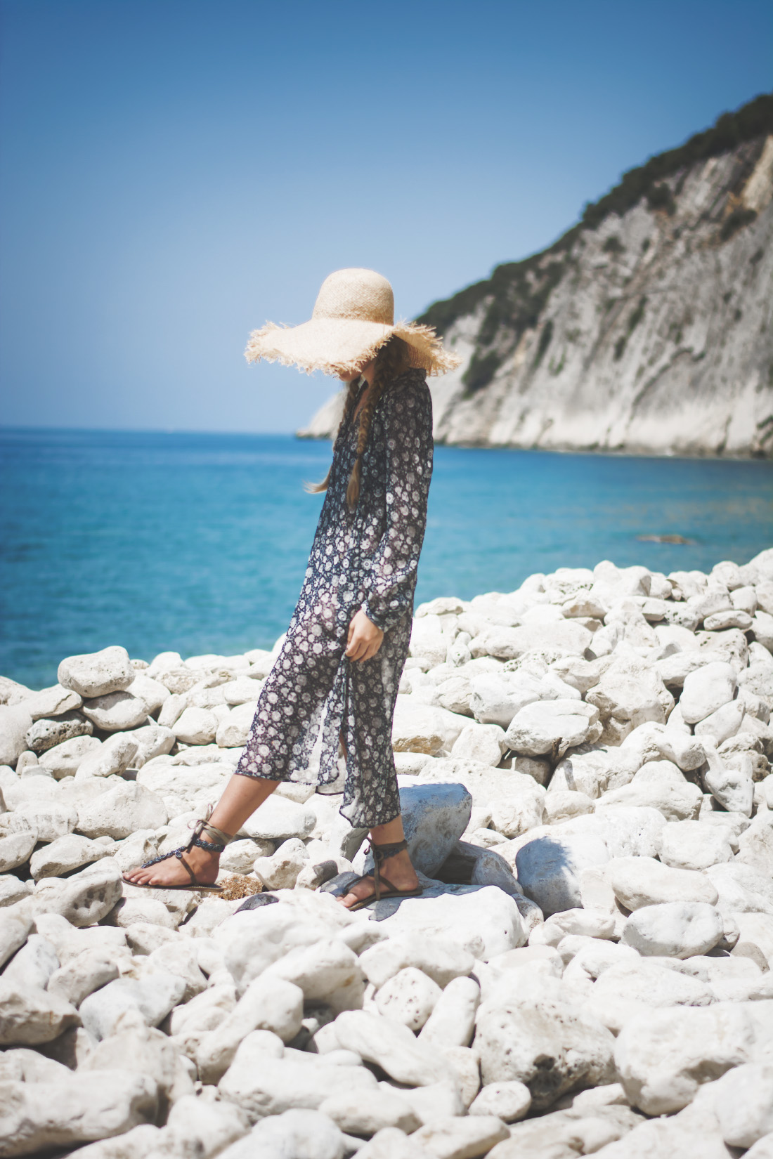 Ocean breeze - turquise beach - outfit inspiration - Fleur de Mode