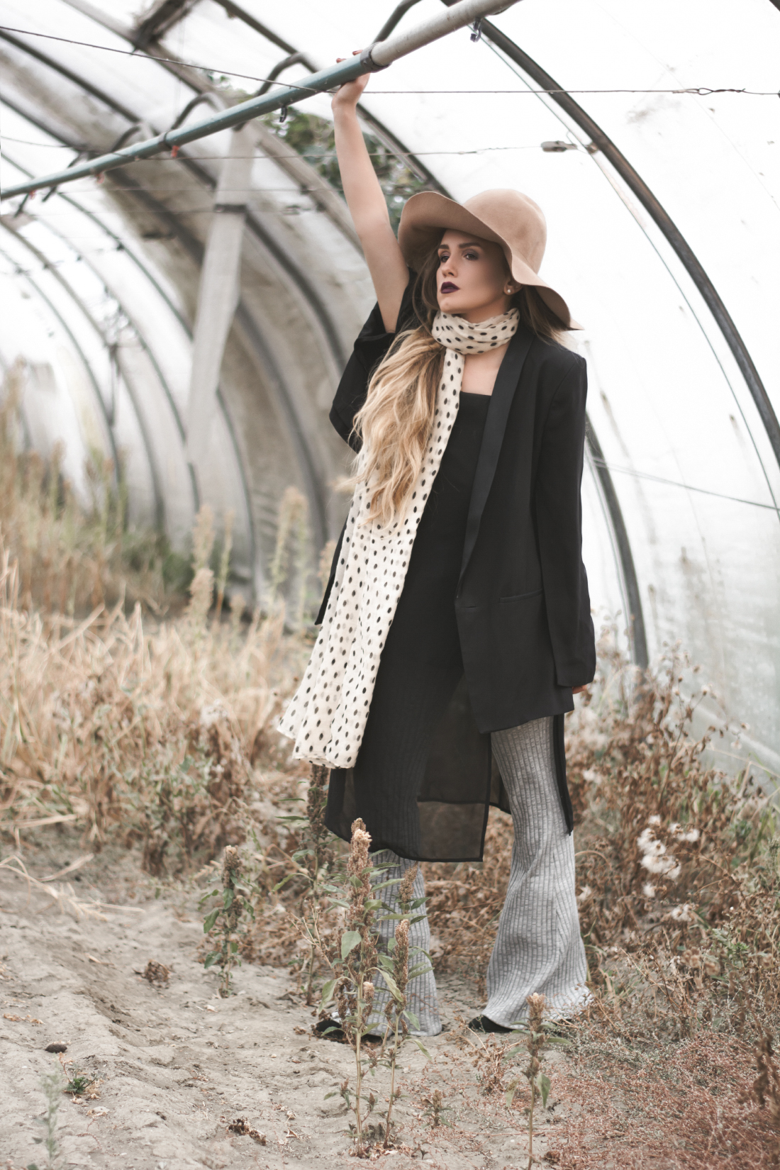 long scarf outfit via fleur de mode