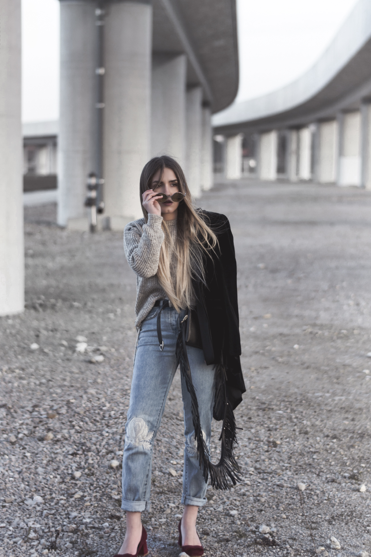Fashion blogger outfit with mom jeans @fleurdemode