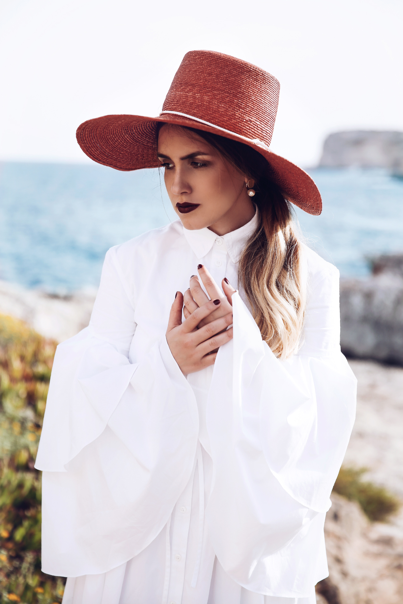 ROSIE ASSOULIN white ruffled dress, EUGENIA KIM hat @fleurdemode