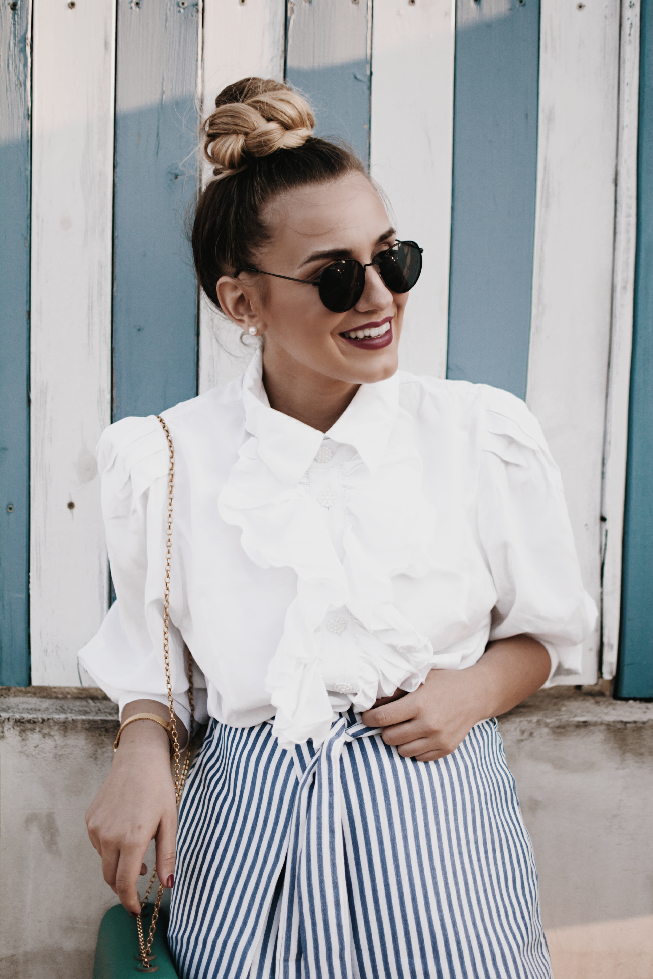 80s fashion vibes & outfit inspiration via @fleurdemode